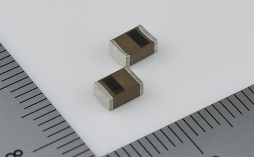 Small all-solid-state SMD battery